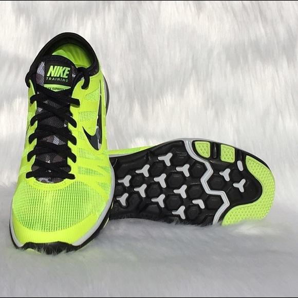 bc85e05756cf ✨SALE✨Women s Nike Flex Supreme TR 3 PR. M 56d6495799086a66b001f7a5