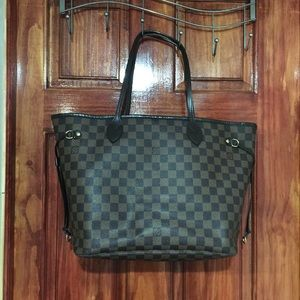Authentic LV neverfull mm.