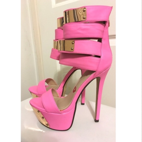 d7b98cf89471  CLEARANCE  🆕 Hot Pink Stilettos