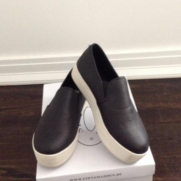 3a61c4424eb Steve Madden black platform slip-on sneakers