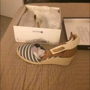 Sperry Valencia Wedges size 9.5