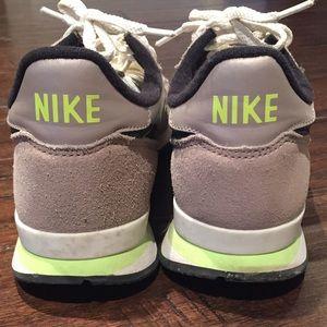 new style 7e77e 20847 J. Crew Shoes - J. Crew Nike Internationalist Sneaker, women s 9.5