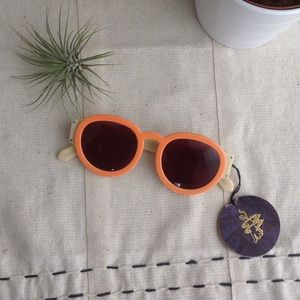 Karen Walker Accessories - ☀️ Karen Walker Pegs Sunglasses 🌤