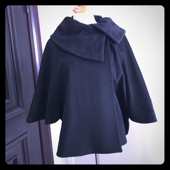 7773ac2c44a685 Cinzia Rocco Jackets & Blazers - Cinzia Rocca 100% Loro Piana wool fabric  Poncho