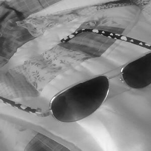 Accessories - ❤Cute Sunglasses with Heart Designs❤