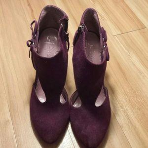 b. makowsky Shoes - B. Makowsky purple leather heels