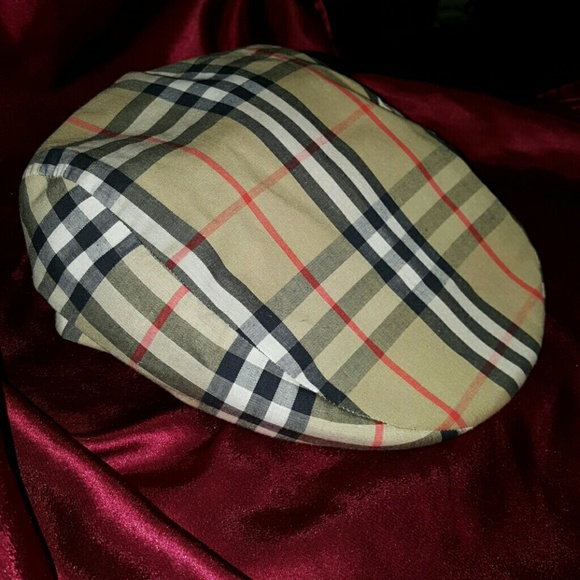 Burberry Accessories - Burberry London Nova plaid golf hat XL Vintage b441e16920c