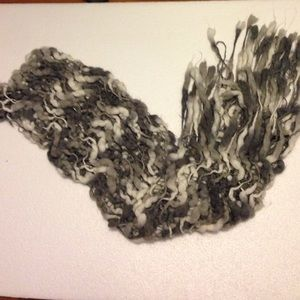 Grey and white woven scarf