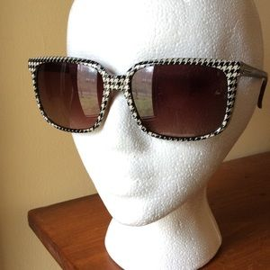 Electric Venice Accessories - Electric Venice Houndstooth Sunglasses
