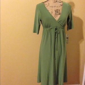 Beautiful green drawstring waist dress.