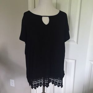 Swell Tops - Black Keyhole Crochet Tunic