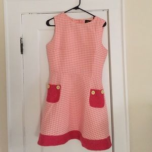 Dresses & Skirts - Unique pink dress with green button detail!