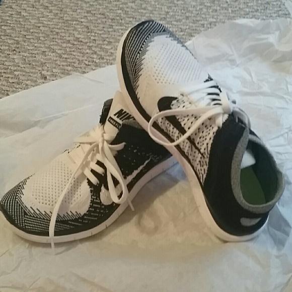 best service 57e5f efc43 Nike Shoes   Free Flyknit 40 Oreo Size 8   Poshmark