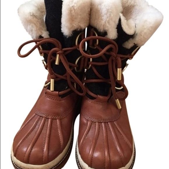 3bfa5e4d23f8 Tory Burch Duck Boots size 8. M 56d87a19620ff751930057bf