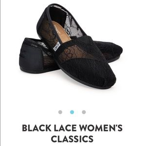 SOLDDDD!!!!! Black Lace Women's Classic Toms