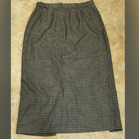 Requirements Skirt 105