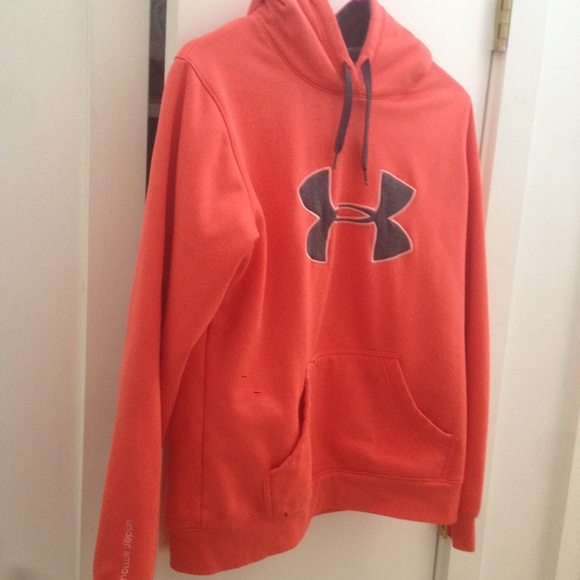 100 off under armour tops �orange ��������under armour