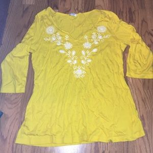 Cute Old Navy top. Size L