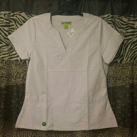 bda209a2257f3b Crocs medical apparel scrub top. New w  tags!
