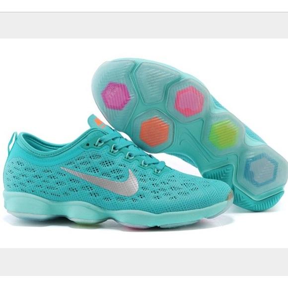détaillant en ligne 7b5b7 1eaef Nike Agility- Jade Color