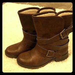Montie Brown boots