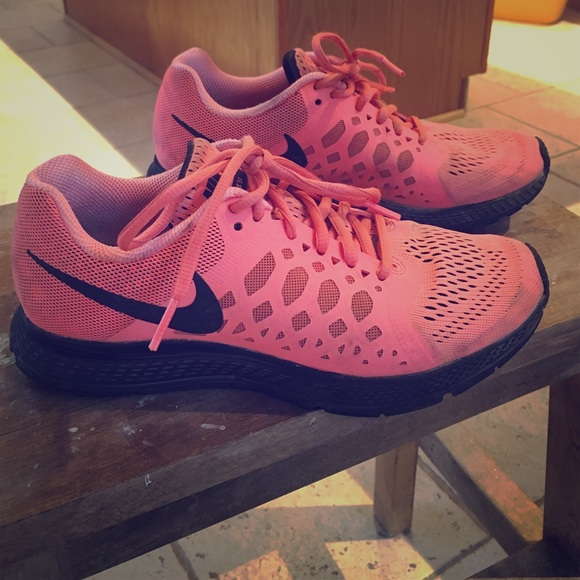 Used Nike Pegasus 31 sneakers size 6
