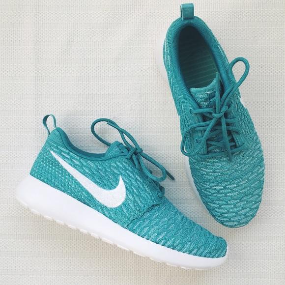 53ff144f3bbf Nike Roshe Run Flyknit Aqua White