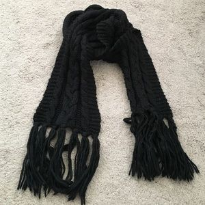 Cotton On black cable knit scarf