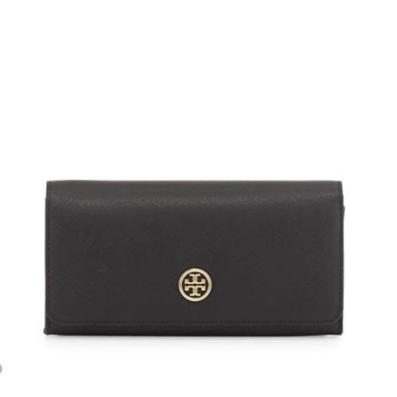dd441dd8c9cd Tory Burch Robinson Patent Leather flap wallet. M 56d9d0f5c6c7955acf0059af