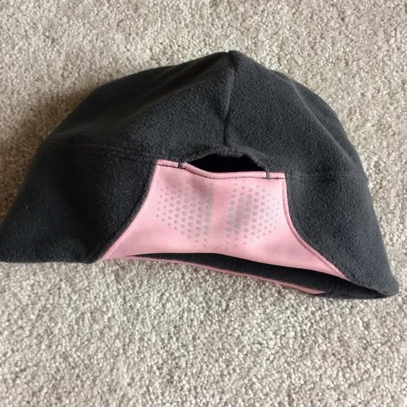 9eaf724f7da Nike hat -with ponytail hole! Nike. M 56d9d6b74225be57a600617a.  M 56d9d6b8680278c3e501b630. M 56d9d6b8729a663dbf01b780.  M 56d9d6b94e8d176e63006267