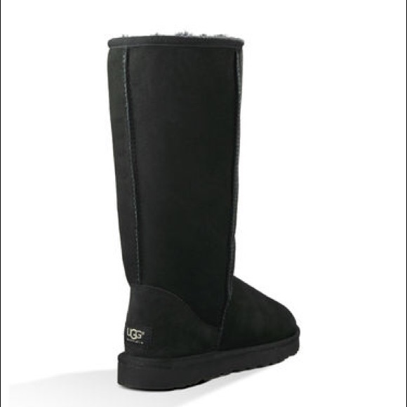 Classic tall black UGGs size 7