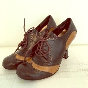 Shoes - Vintage Two Tone Oxford Booties