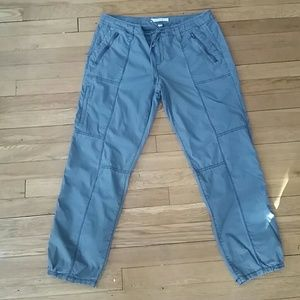 Green ankle length pants