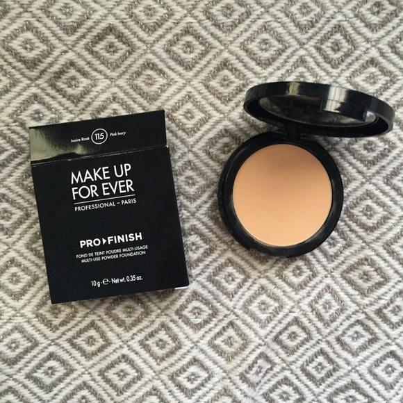 Makeup Forever Pro Finish Multi Use Powder Foundation