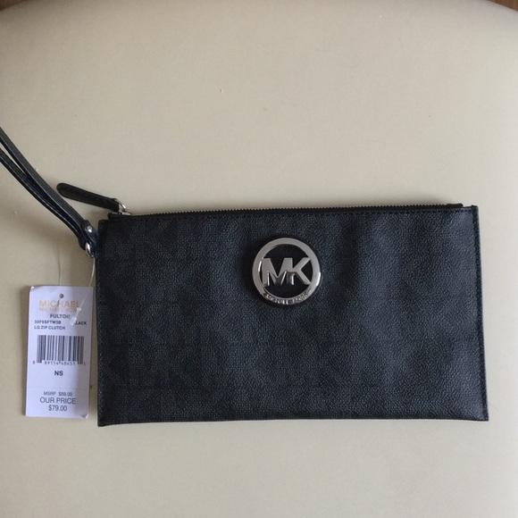 632431eafca6 Michael Kors Bags | Fulton Black Lg Zip Clutch | Poshmark