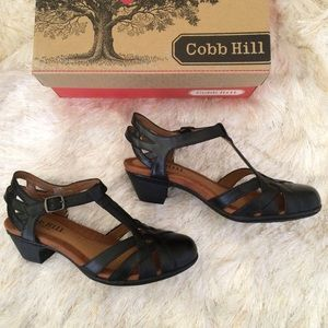 Cobb Hill Shoes - Closed toe black leather sandals 7
