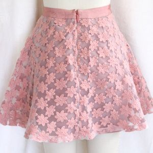 Topshop Skirts - ♦️SALE♦️✨HP✨ Topshop Embroidered Floral Skirt