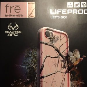 Lifeproof Fre for iPhone 5/5s in pink camo