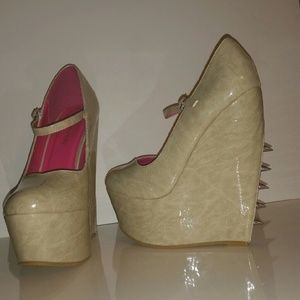 Liliana Shoes - SPIKED MARY JANE MARBLED PLATFORM WEDGE HEEL- 7.5