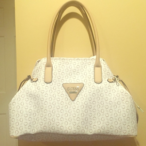 Guess large handbag - white and beige. NWT