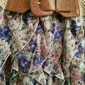 Dresses & Skirts - Floral Mini Skirt