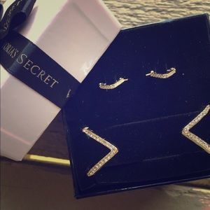 Victoria's Secret Gold Earring & Bracelet Set