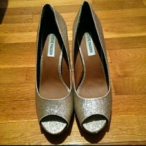 Steve Madden Shoes - Gold Steve Madden heels