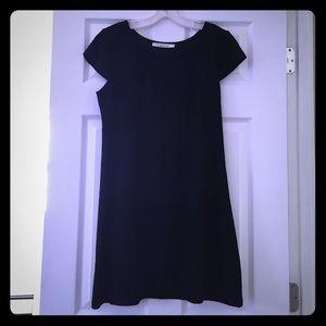 Solitaire- simple, elegant, black lace dress 
