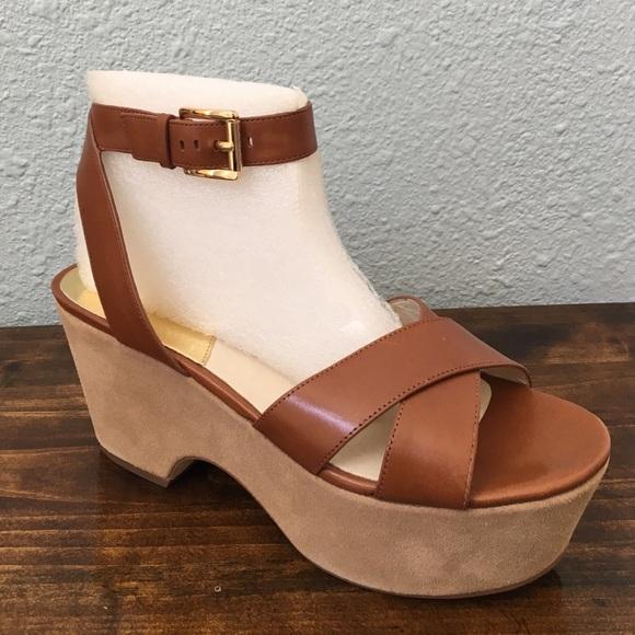 69a6d70786b Michael Kors Ariel Leather Platform Sandal. M 56db2e6b01985eb8a1039aee