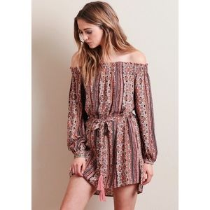 Dresses & Skirts - LAST❗️Boho Printed Off Shoulder Long Sleeve Dress
