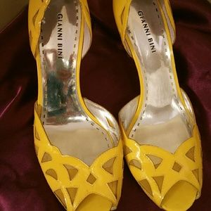 Gianni Bini Size 9 Yellow Heels