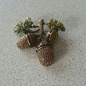 acorn crystal pin