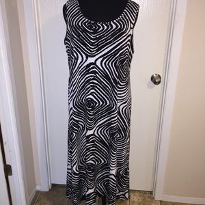 Dresses & Skirts - Slinky dress