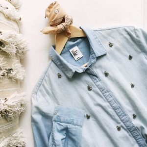 H&M Tops - H&M 💙 Embellished Chambray Denim Button Up Shirt